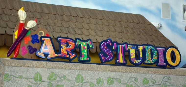 diverse signs bluff view preschool