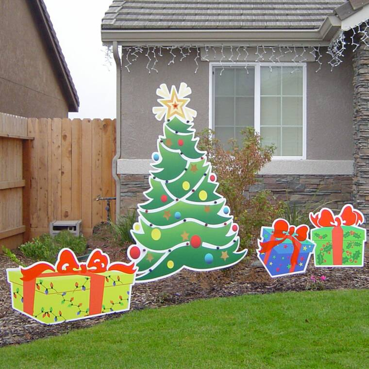 Diverse signs seasonal yard decor for Holiday lawn decorations